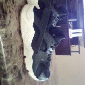 Nike Black Python Huraches